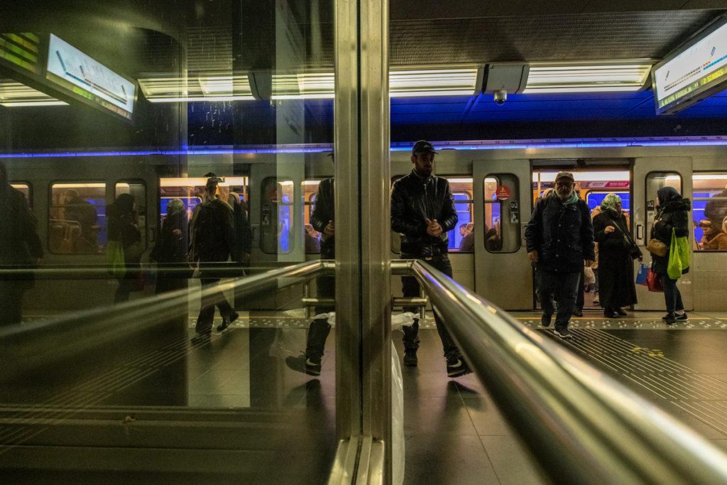 Pieton Fige Mouvement Metro